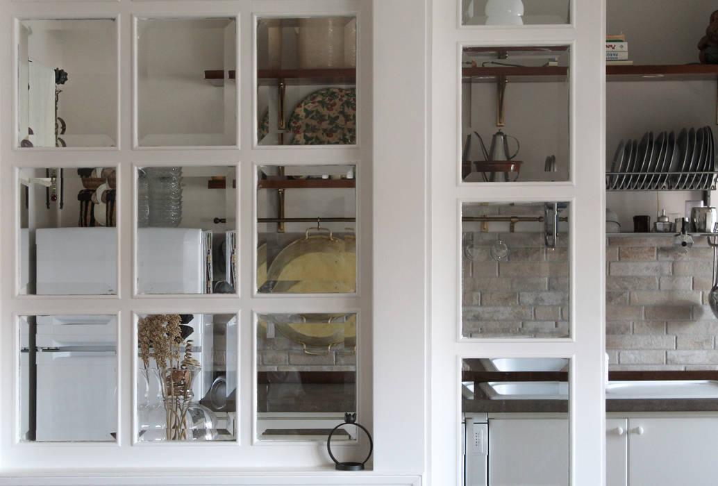Caleidoscopio Architettura & Design Klasyczne okna i drzwi Biały