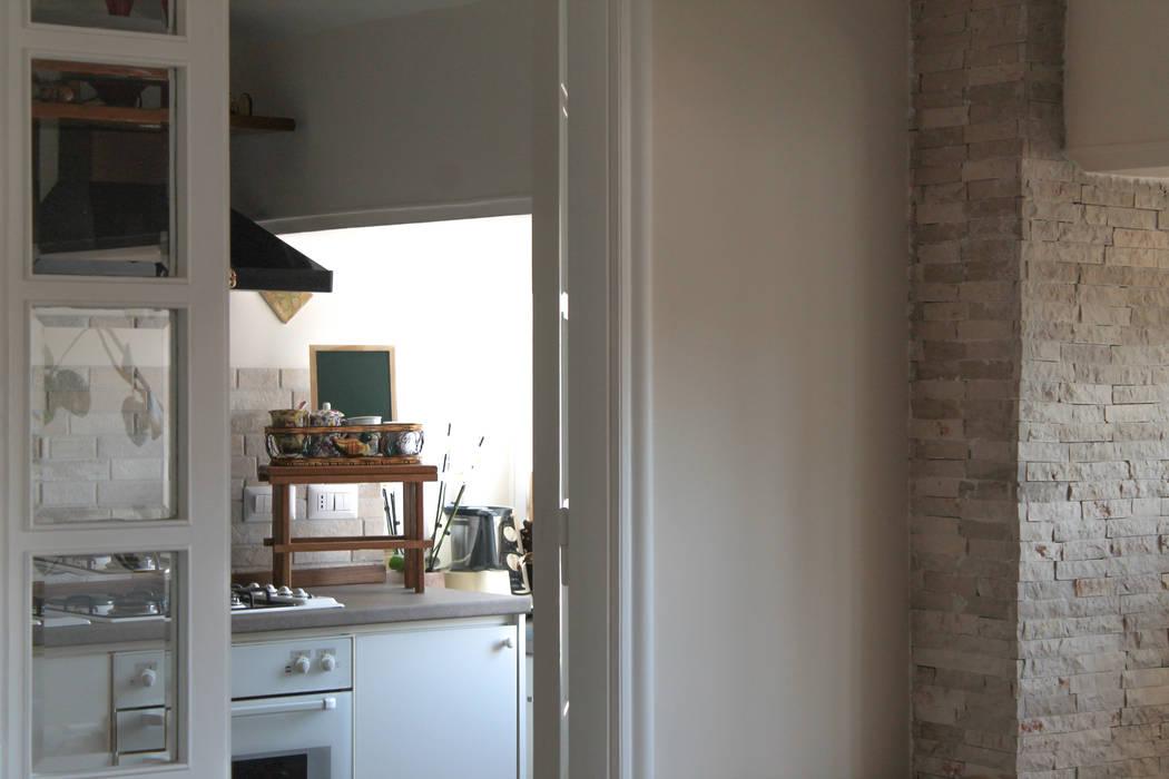 Cucina Caleidoscopio Architettura & Design Cucina piccola Bianco
