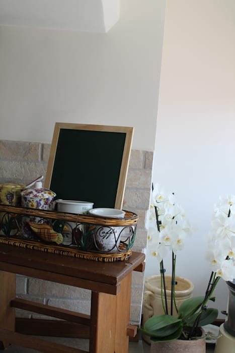 Cucina Dettaglio Caleidoscopio Architettura & Design Cucina in stile rustico Bianco