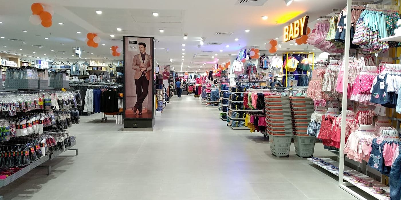 Interior for Retail Outlet - Bigbazaar chennai by Elcon Infrastructure Modern
