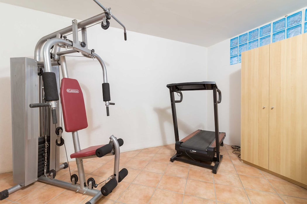 Country style gym by Le Case di Erica | Interior&HomeStaging Country