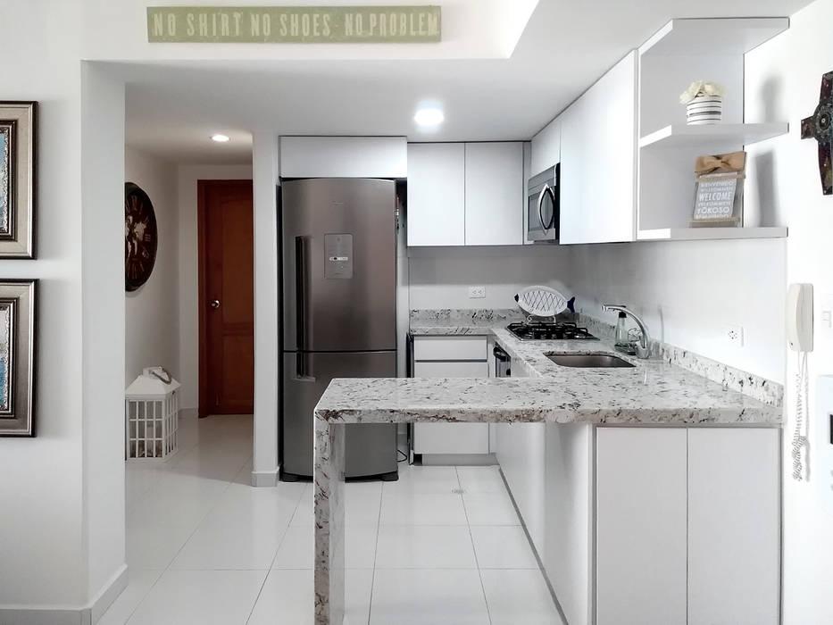 Cocina integral remodelada de Remodelar Proyectos Integrales Moderno Granito