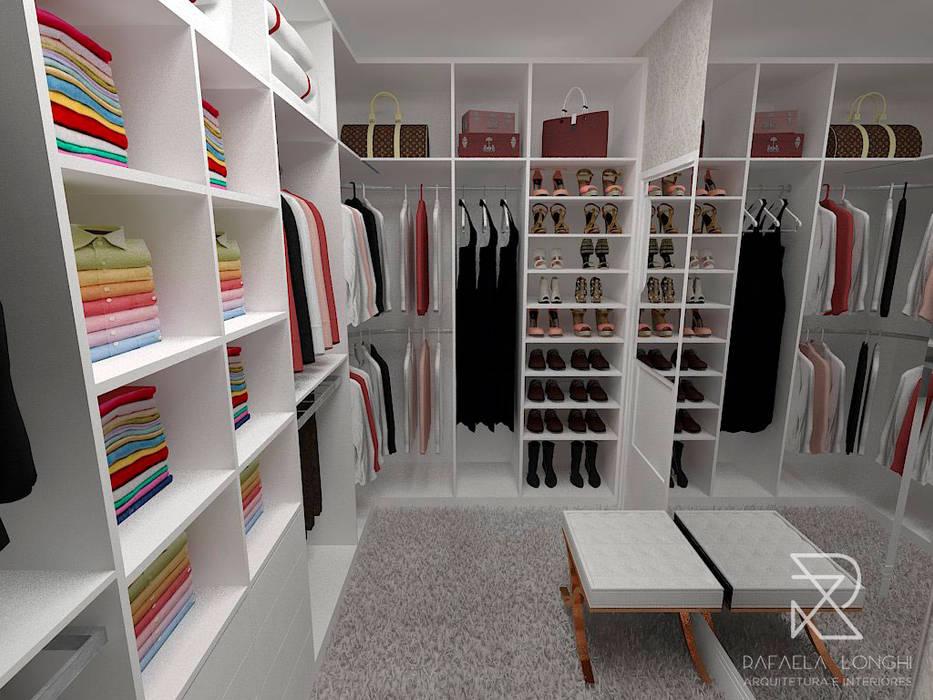 Closet: Closets  por Rafaela Longhi Arquitetura e Interiores