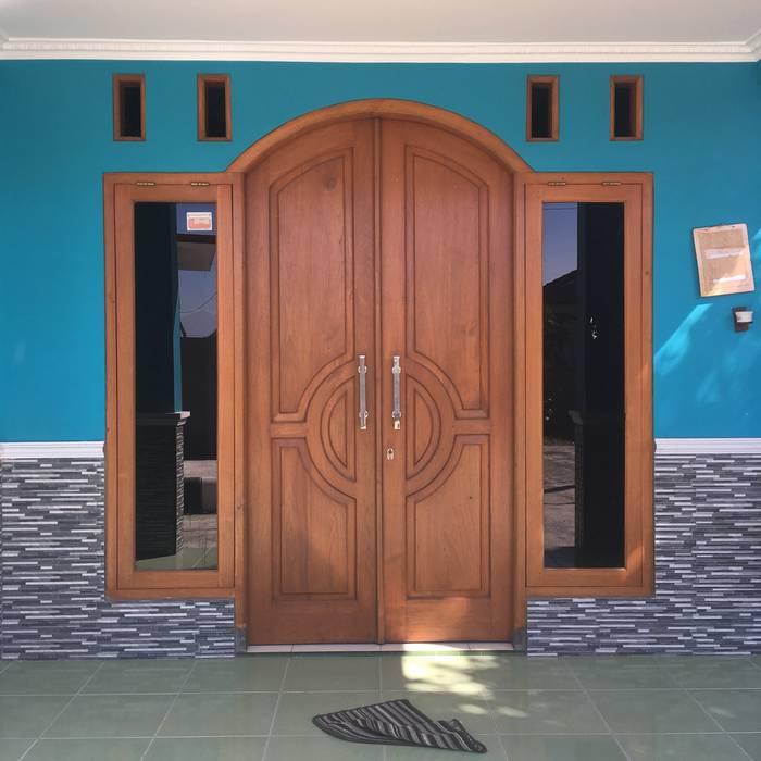 Perum Griya Adi, Kuniran: pintu depan oleh ud.CMTO, Mediteran Kayu Wood effect