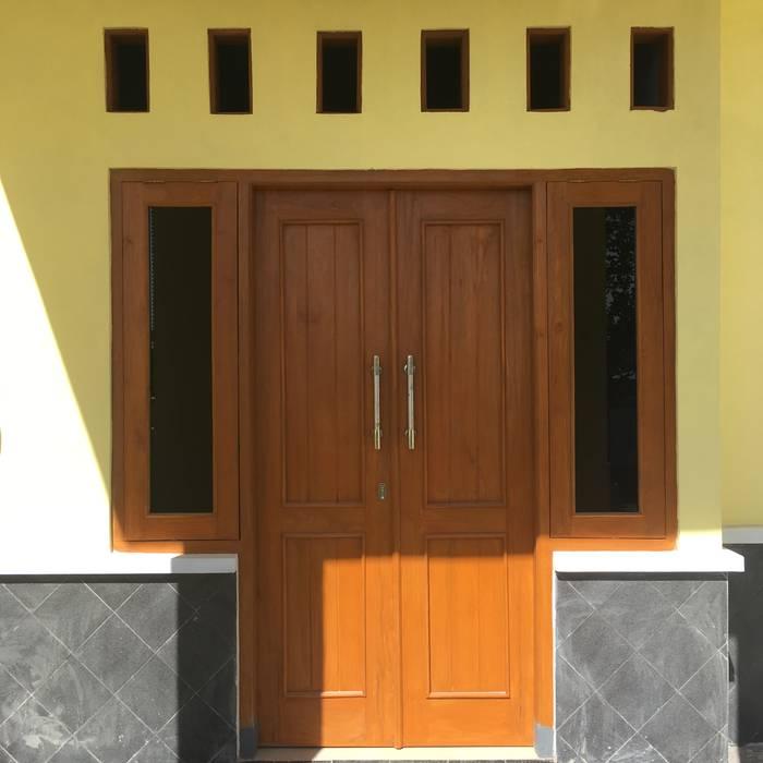 Perum Griya Adi, Kuniran: pintu depan oleh ud.CMTO, Minimalis Kayu Wood effect
