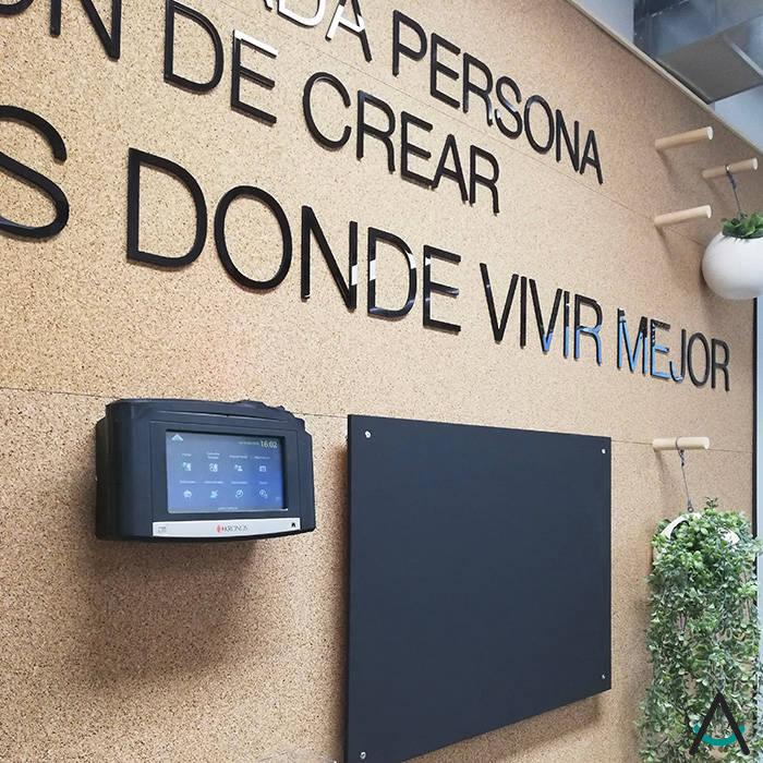 modern  by Estudi Aura, decoradores y diseñadores de interiores en Barcelona, Modern Wood Wood effect