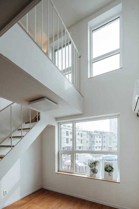 窗戶 by AAPA건축사사무소, 現代風