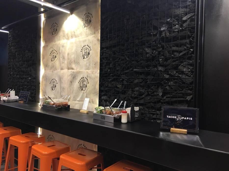 detalle de muro de carbon Xome Arquitectos Paredes y pisos de estilo moderno Negro
