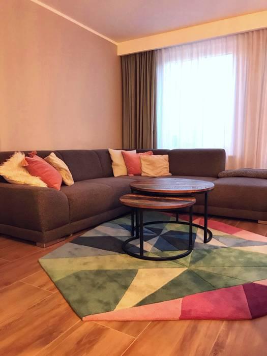 Wohnzimmer- Reihenhaus in Bernau bei Berlin :  Wohnzimmer von KHG Raumdesign - Innenarchitektin in Berlin