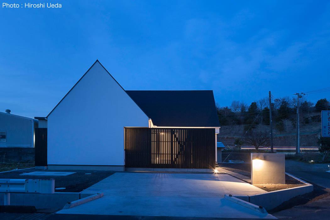 外観夕景 の 石川淳建築設計事務所 ミニマル