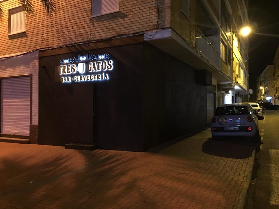 Terraza De Hostelería Para Bar Y Restaurante Balcones Y