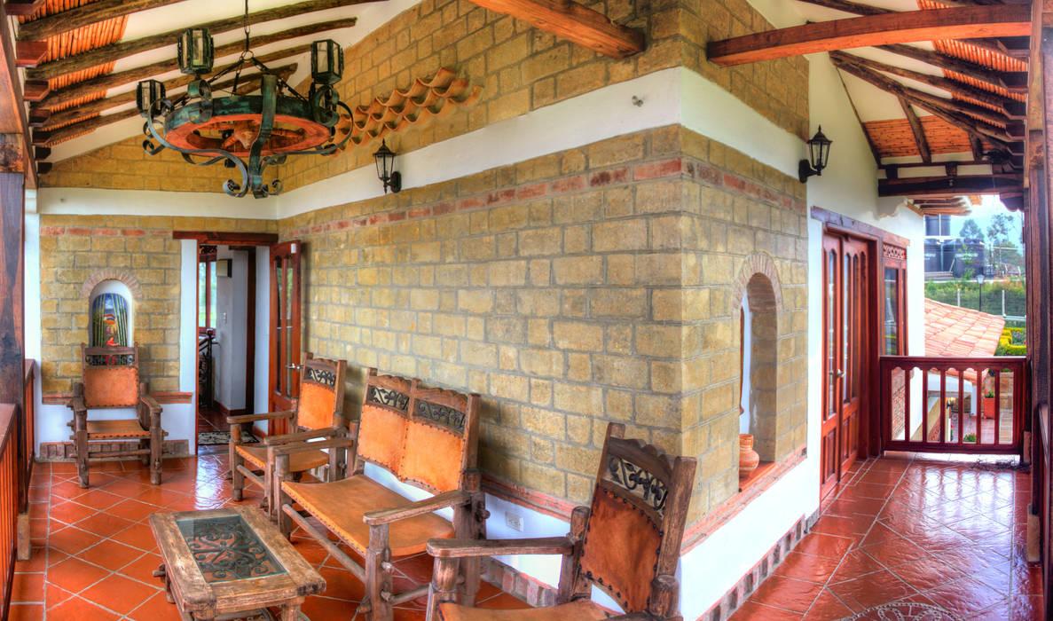 terraza alcoba principal: Terrazas de estilo  por cesar sierra daza Arquitecto, Rústico Cerámico