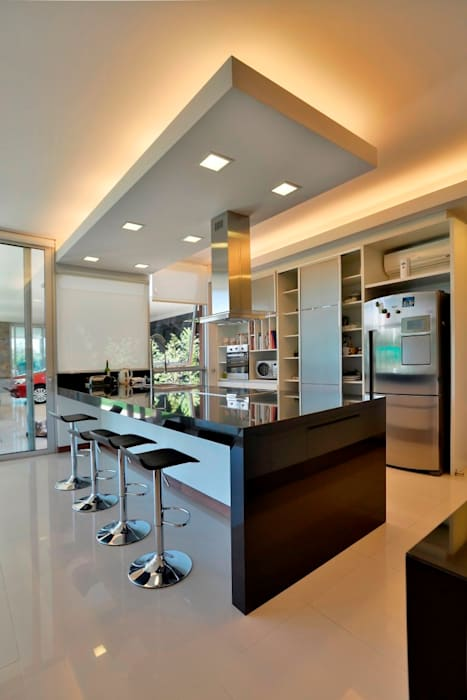 Mueble de Cocina en Termoformado de PVC: Muebles de cocinas de estilo  por Gallo y Manca,