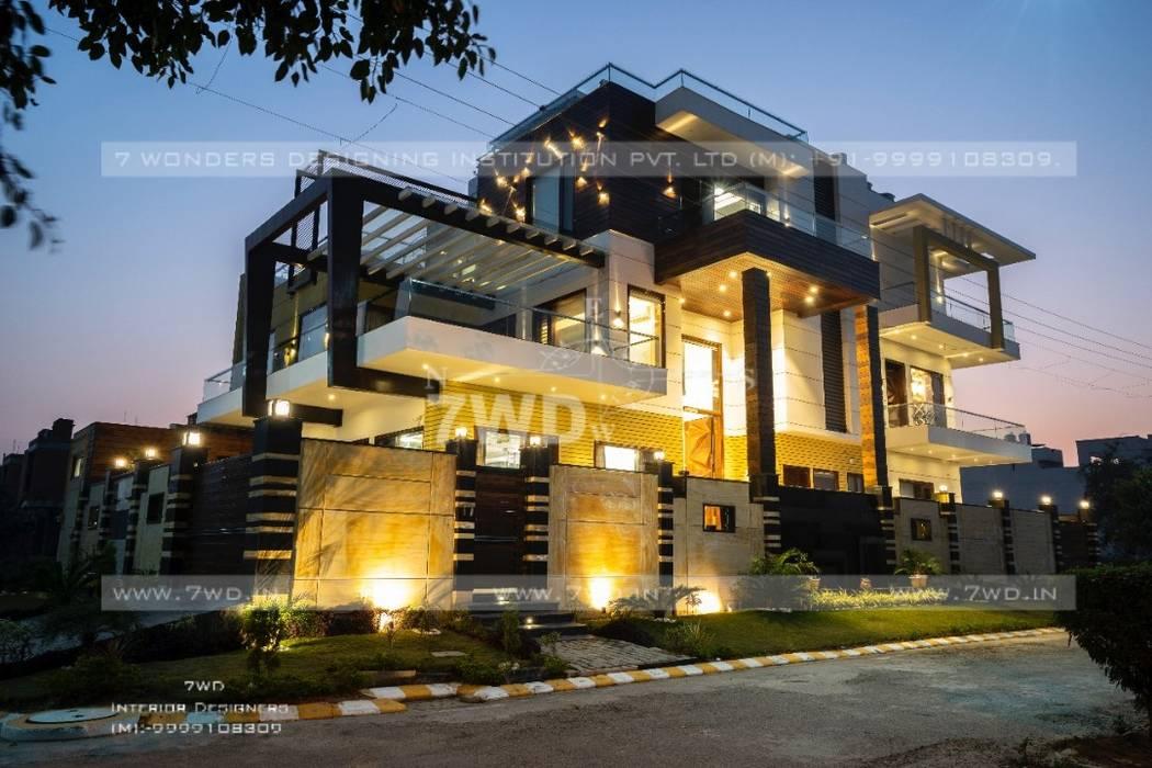 Interior Designers in Gurgoan Modern balcony, veranda & terrace by 7WD Interior Design Studio Modern