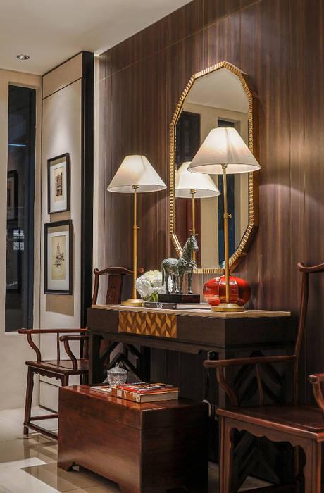 PK House Balkon, Beranda & Teras Gaya Asia Oleh Meridian Studio Asia
