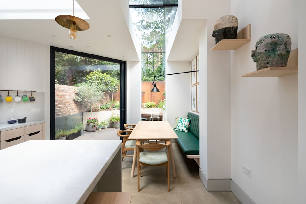 The Signal House:  Dining room by Shape London