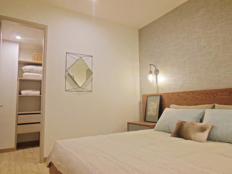 Bedroom by AlejandroBroker, Modern