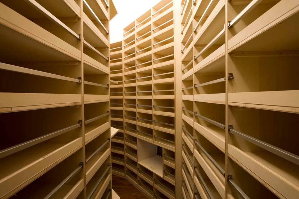 Karuizawa Counterpoint โดย PODA โมเดิร์น แผ่นไม้อัด Plywood