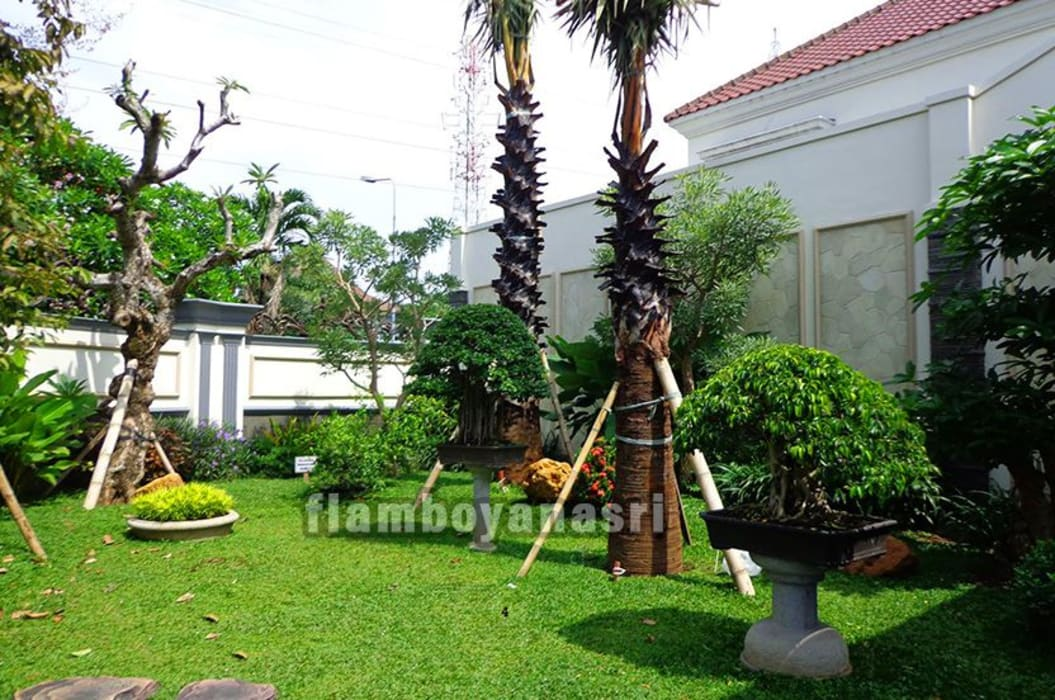 Jasa Pembuatan Taman Surabaya: Halaman depan oleh Tukang Taman Surabaya - flamboyanasri, Modern