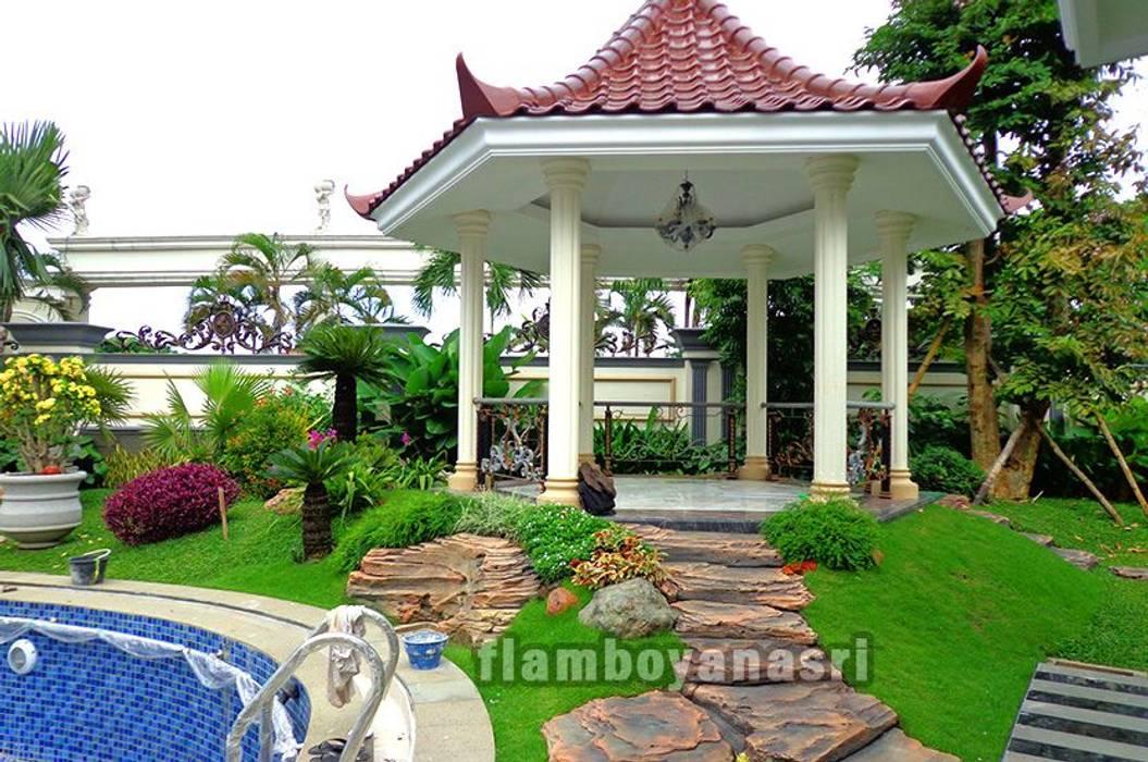 Tukang Taman Surabaya - Desain taman Gazebo: Pondok taman oleh Tukang Taman Surabaya - flamboyanasri, Modern