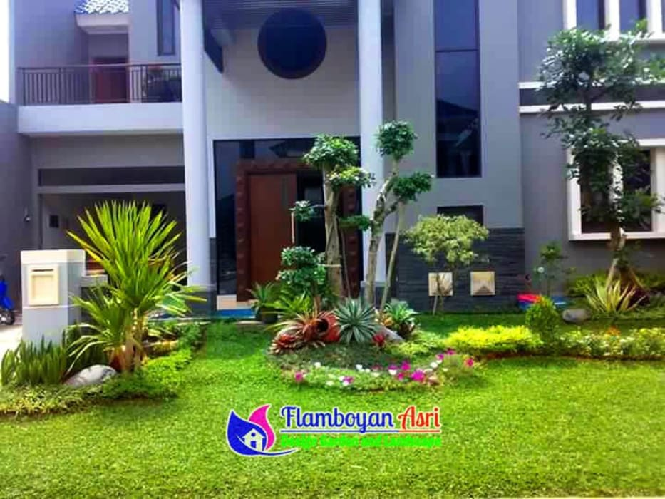 Jasa Pasang Taman Surabaya:  Halaman depan by Tukang Taman Surabaya - flamboyanasri