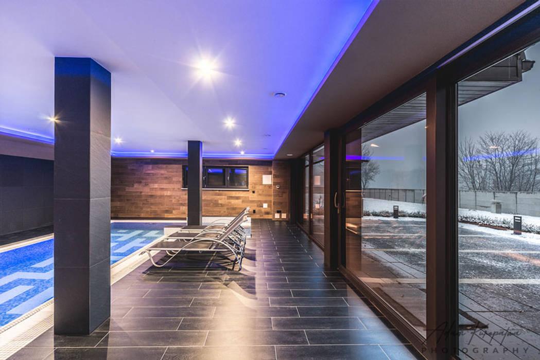 Realizacja basenu w domu jednorodzinnym w Rudzie Śląskiej Minimalistyczny basen od Archi group Adam Kuropatwa Minimalistyczny