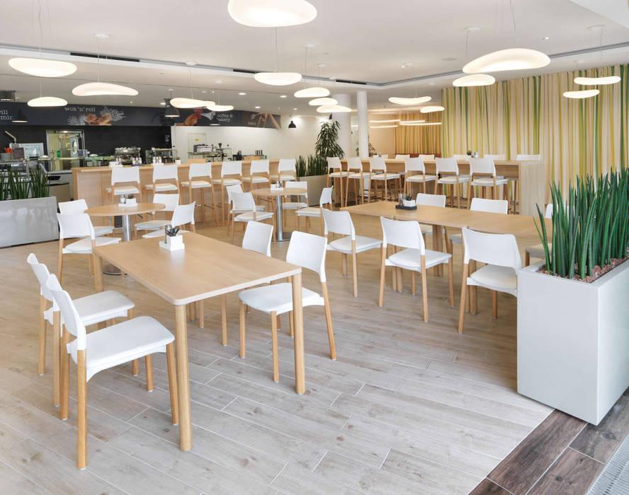 Restoran oleh archipur Architekten aus Wien