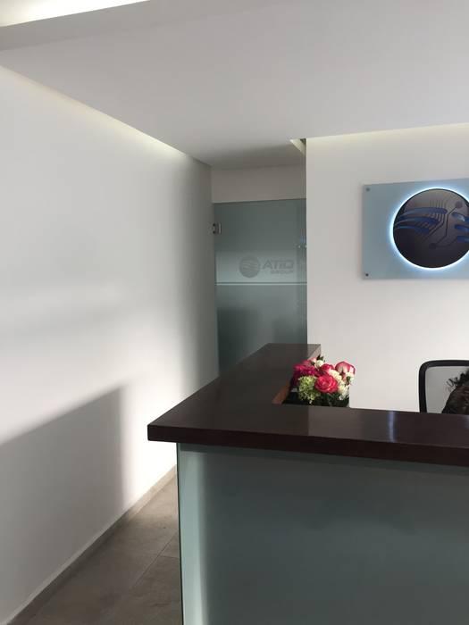 Proyecto Atio Group: Estudios y oficinas de estilo  por BP construcciones & acabados