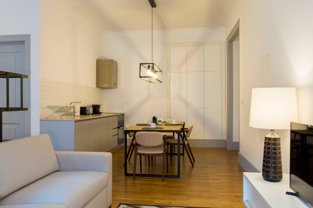Open space - Polais, Lisboa II Traço Magenta - Design de Interiores Sala de jantarAcessórios e decoração