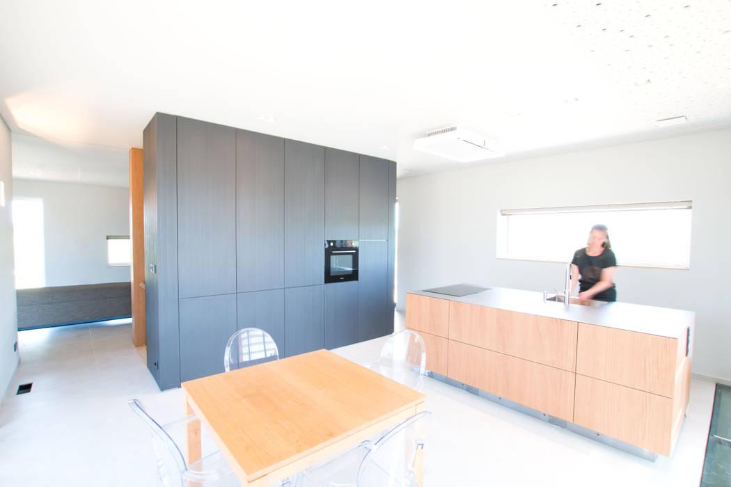 Duurzame vrijstaande woning | Studioschaeffer:  Keuken door Studioschaeffer Architecten BNA
