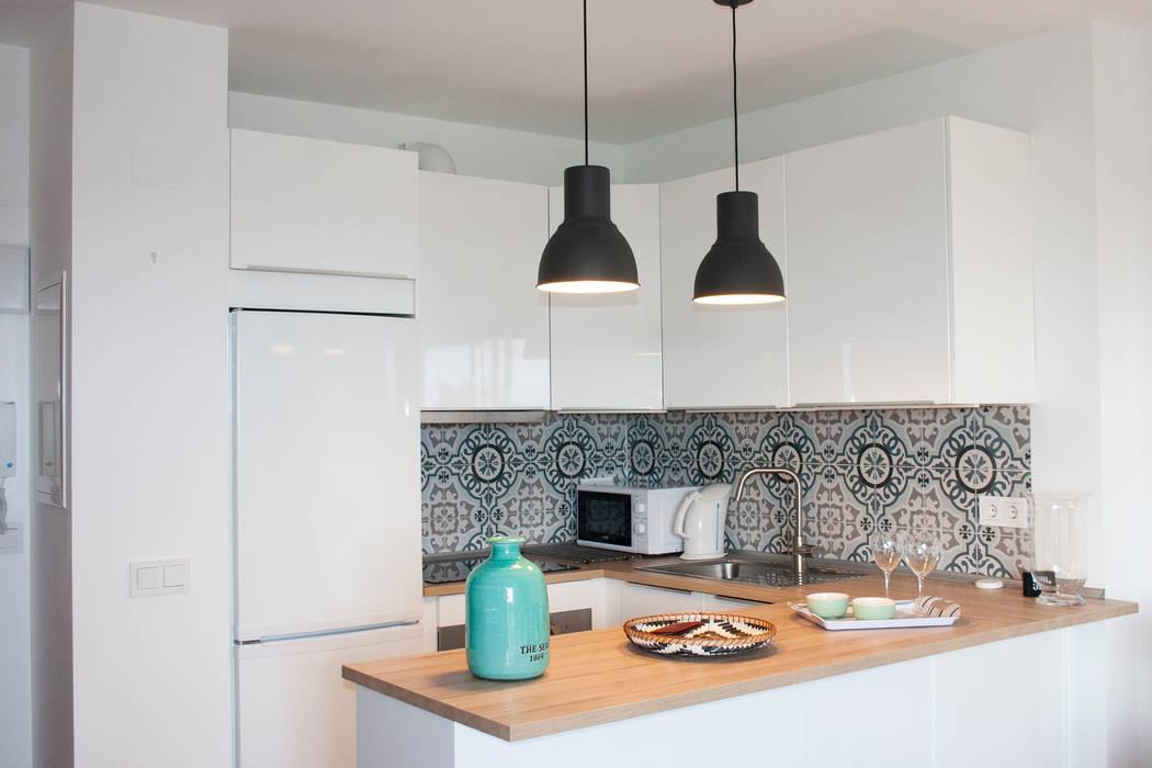 Small Kitchens By Rea Reformas E Interiorismo