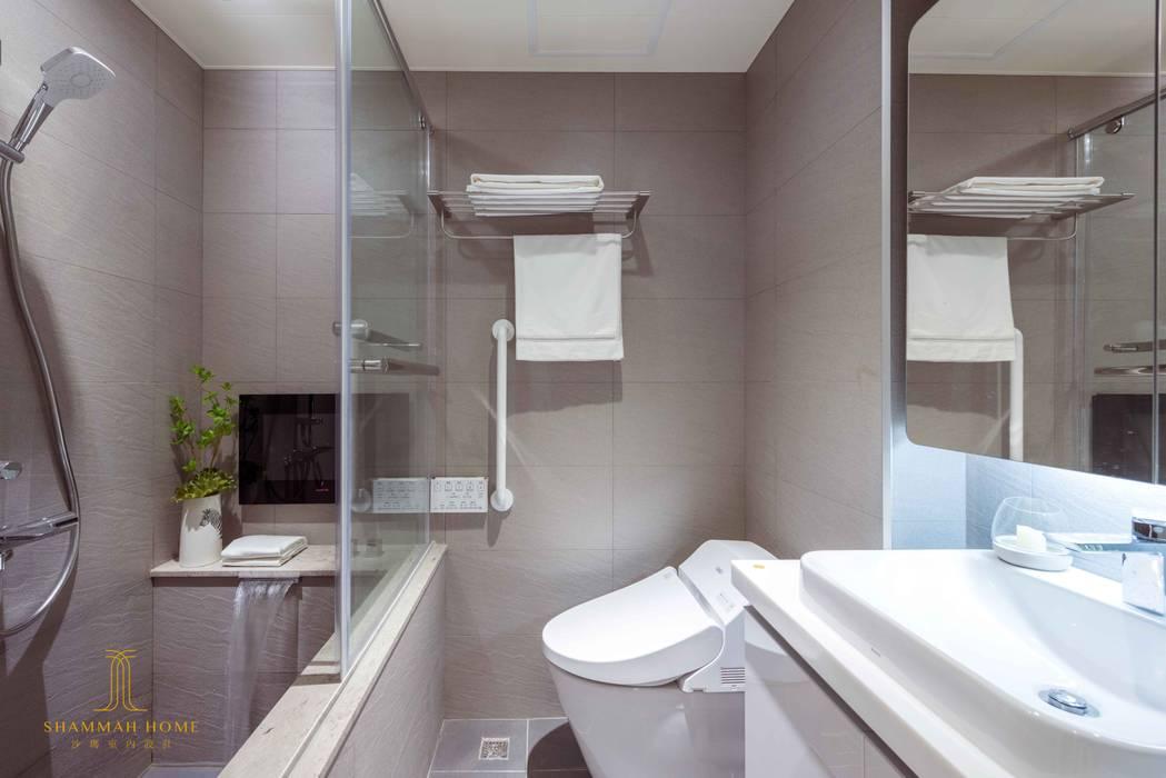 純白簡約  機能小套:  浴室 by 沙瑪室內裝修有限公司, 簡約風