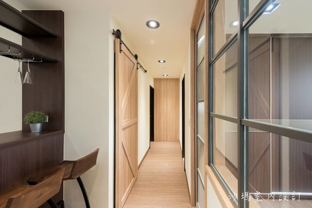 低調 奢華 沙瑪室內裝修有限公司 現代風玄關、走廊與階梯