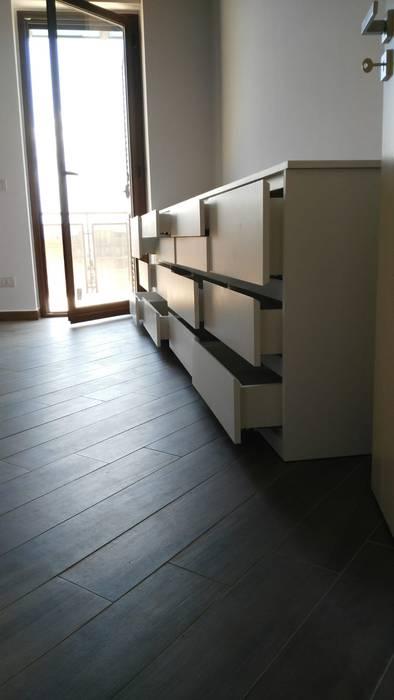 Cassettiera per camera da letto: camera da letto in stile di ...