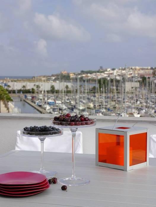Casa Praia Varandas, marquises e terraços modernos por IN PACTO Moderno