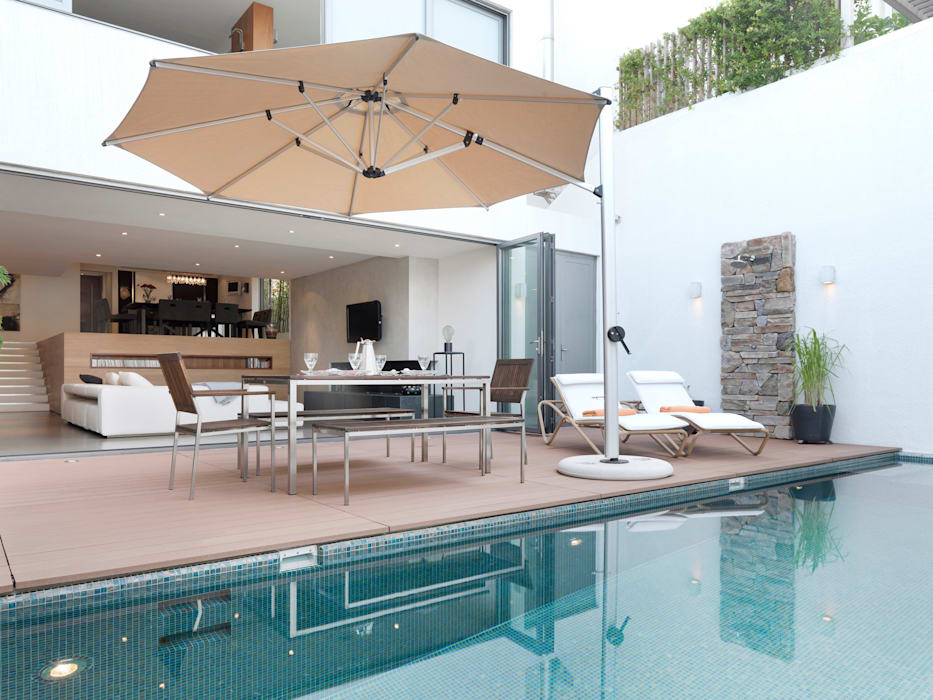 Clearwater Bay Villa:  Terrace by Original Vision, Modern