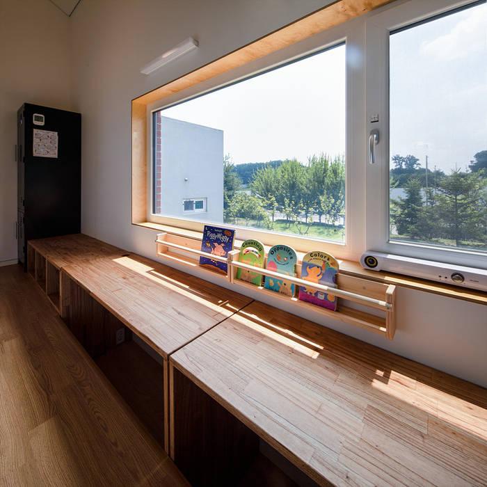 Cửa sổ theo 소하  건축사사무소    SoHAA, Hiện đại