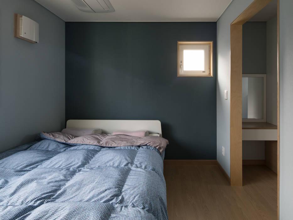 Dormitorios de estilo  por 소하  건축사사무소    SoHAA, Moderno