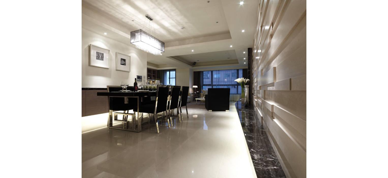 舒適又寬敞的用餐空間:  餐廳 by 鼎爵室內裝修設計工程有限公司,