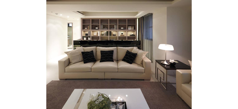 客廳另一視角:  客廳 by 鼎爵室內裝修設計工程有限公司,
