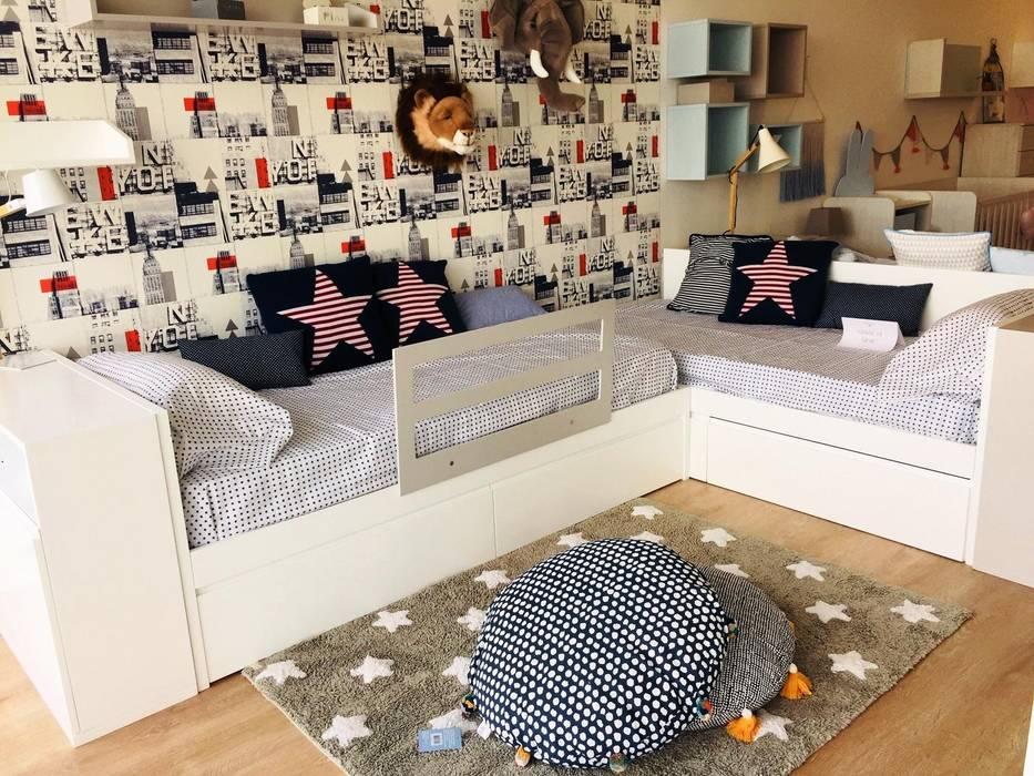 Nursery/kid's room by Kids House,
