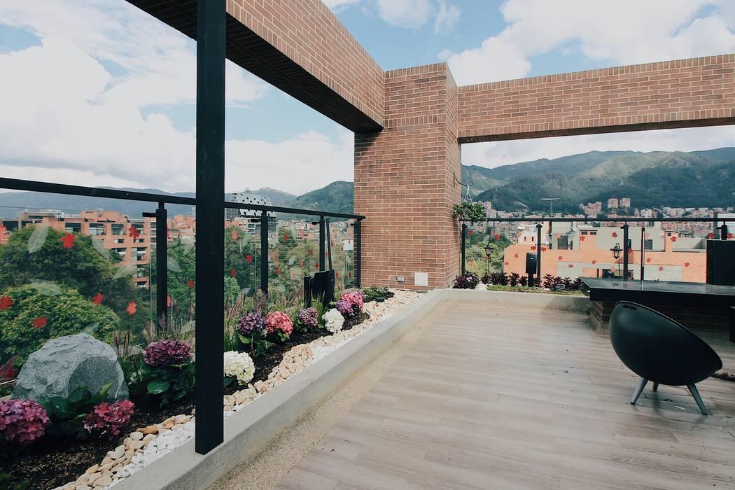 Jardinera norte Balcones y terrazas de estilo moderno de Marga Moderno