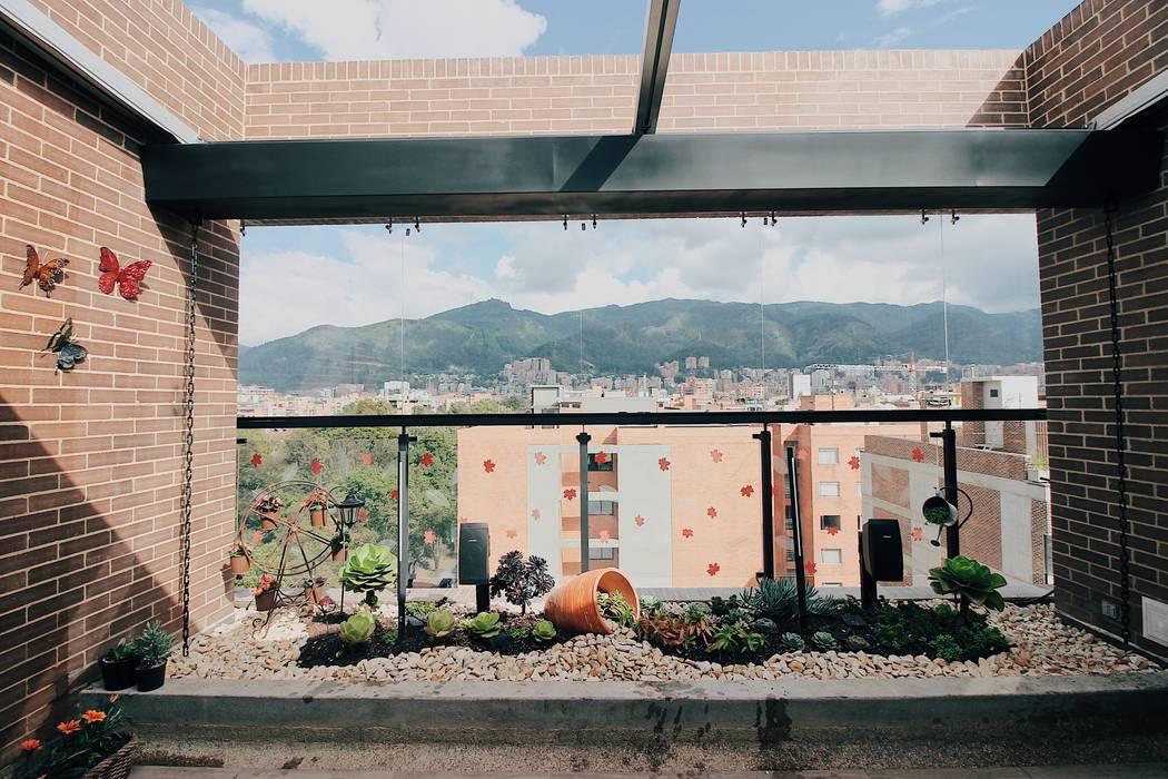 Jardinera Oriental: Terrazas de estilo  por Marga