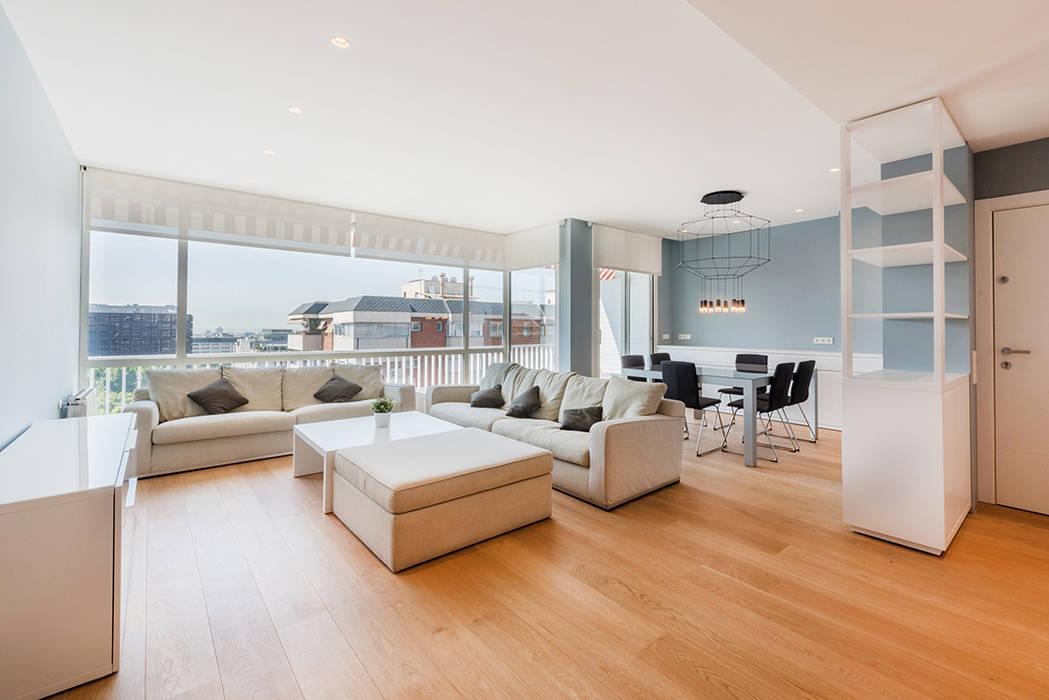SALON Y COMEDOR: Salones de estilo  de LF24 Arquitectura Interiorismo,