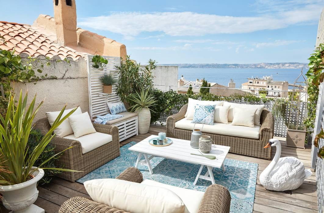 Cojín blanco con motivos decorativos azules 30x50 (17,99 €):  de estilo  de MAISONS DU MONDE compra de muebles y accesorios para el hogar online, Mediterráneo