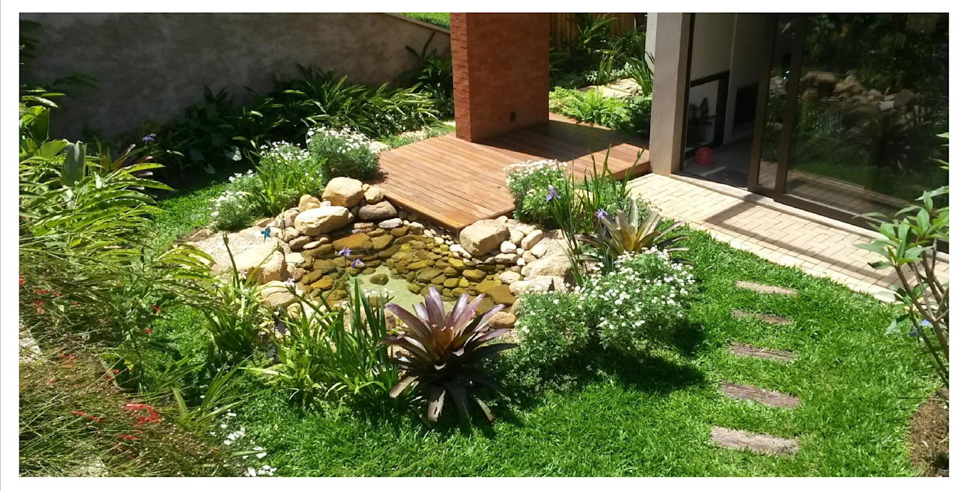 Garden Pond by Prato Arquitetura e Paisagismo, Tropical