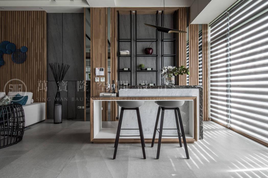 大隆建設/海灣Villa CEO會館2-碧海達觀:  客廳 by SING萬寶隆空間設計,