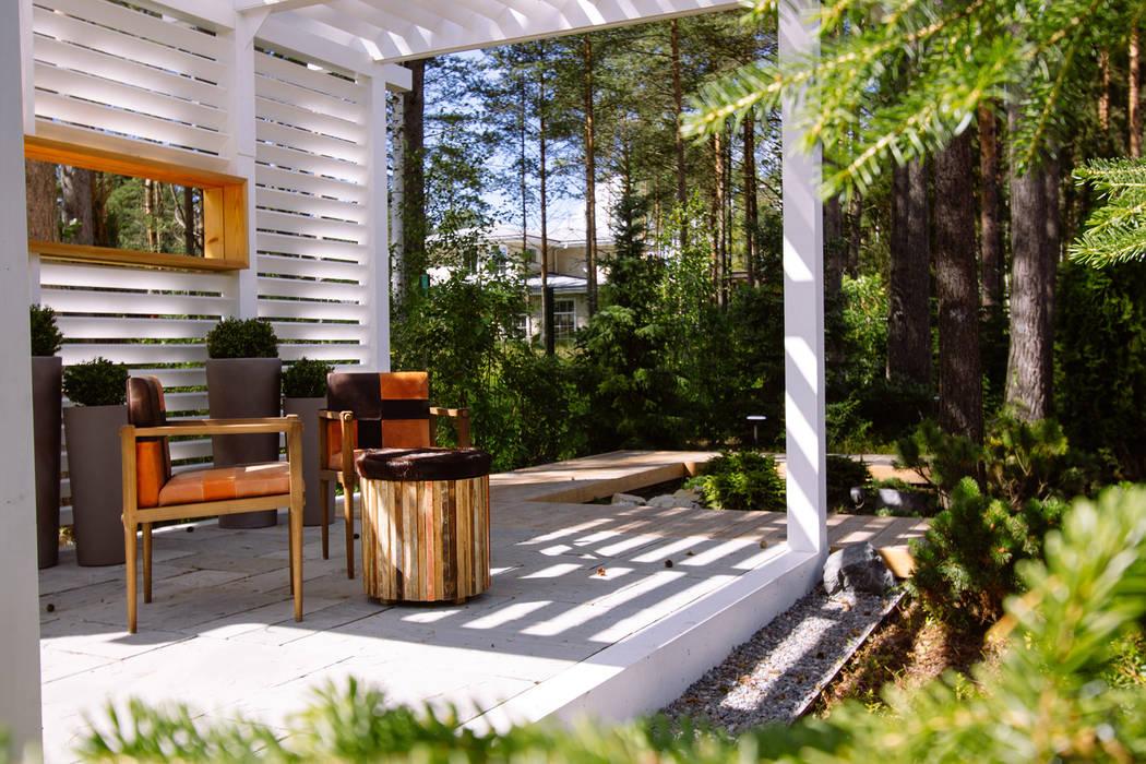 Classic style garden by DEREVO PARK Classic