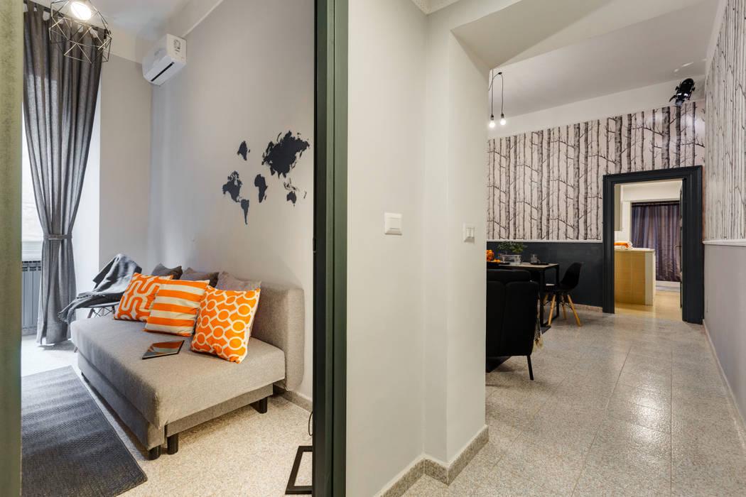 Creattiva Home ReDesigner - Consulente d'immagine immobiliare industrial style corridor, hallway & stairs.