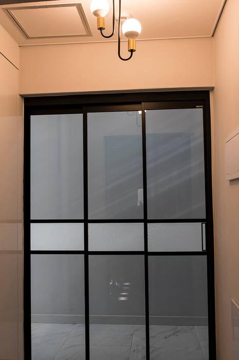 Inside doors by AAG architecten, Modern Metal